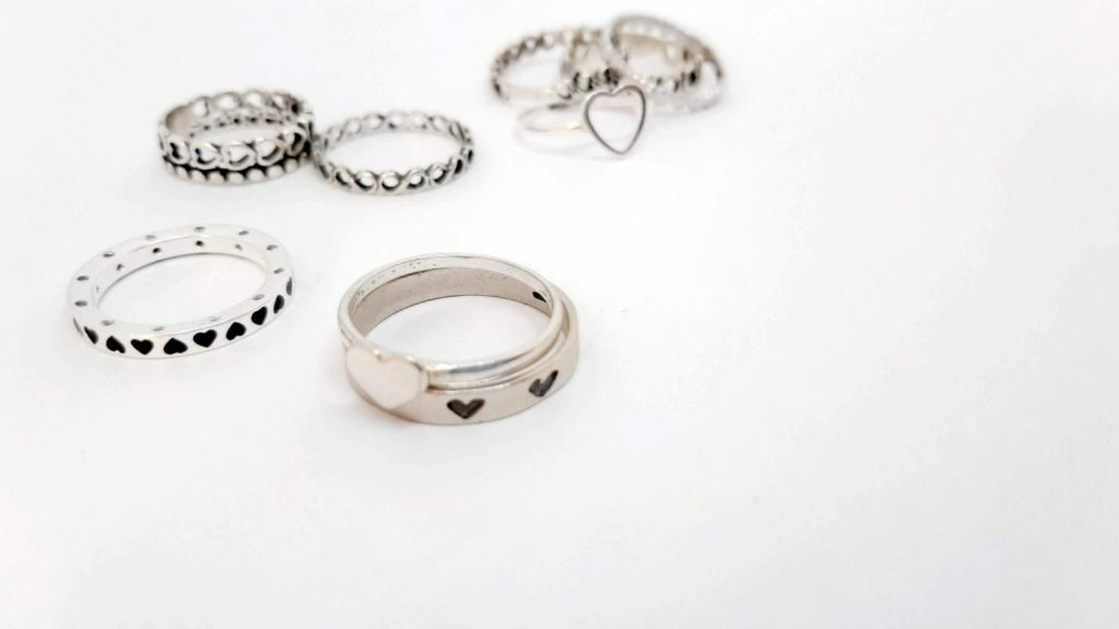 5 Incredible Smartphone Jewelry Photography Hacks Everyone Needs To Know (Plus Stats)